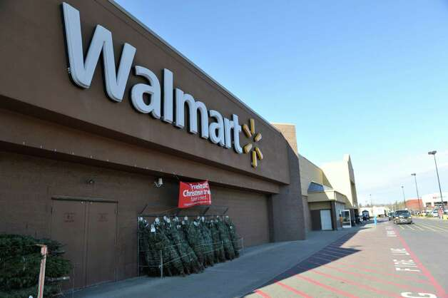 A view of the Walmart Supercenter off of Route 4 on Tuesday, Nov. 24, 2015, in Rensselaer, N.Y. (Paul Buckowski / Times Union) Photo: PAUL BUCKOWSKI / 10034422A