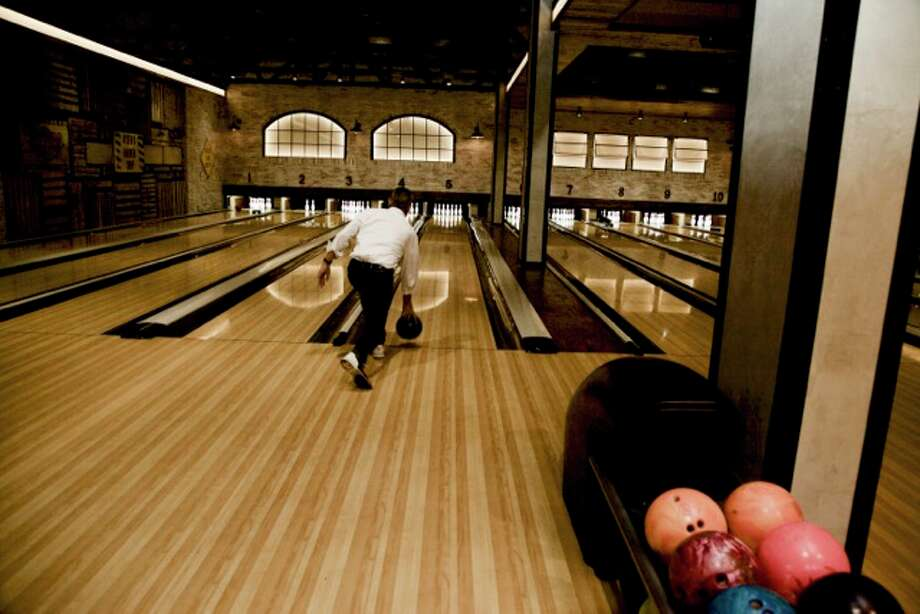 Bowl & Barrel offers 15 lanes of bowling enjoyment. Photo: /