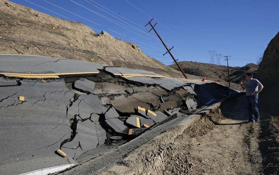 SANTA CLARITA, CA - NOVEMBER 20: Overall shows damage to Vasquez Canyon Road, due to a landslide between Lost Creek Road and Vasquez Way in Santa Clarita on November 20, 2015. (Mel Melcon/Los Angeles Times/Getty Images) Photo: Mel Melcon