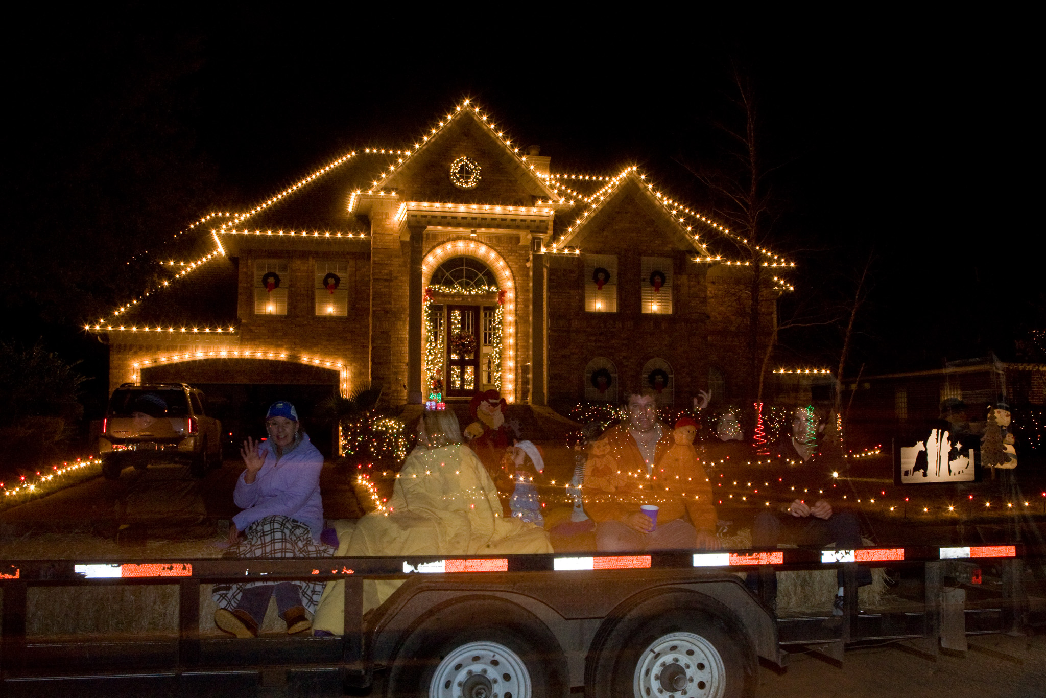 Pecan Grove Christmas Lights Hayrides 2020 Enjoy the lights on a jolly hayride