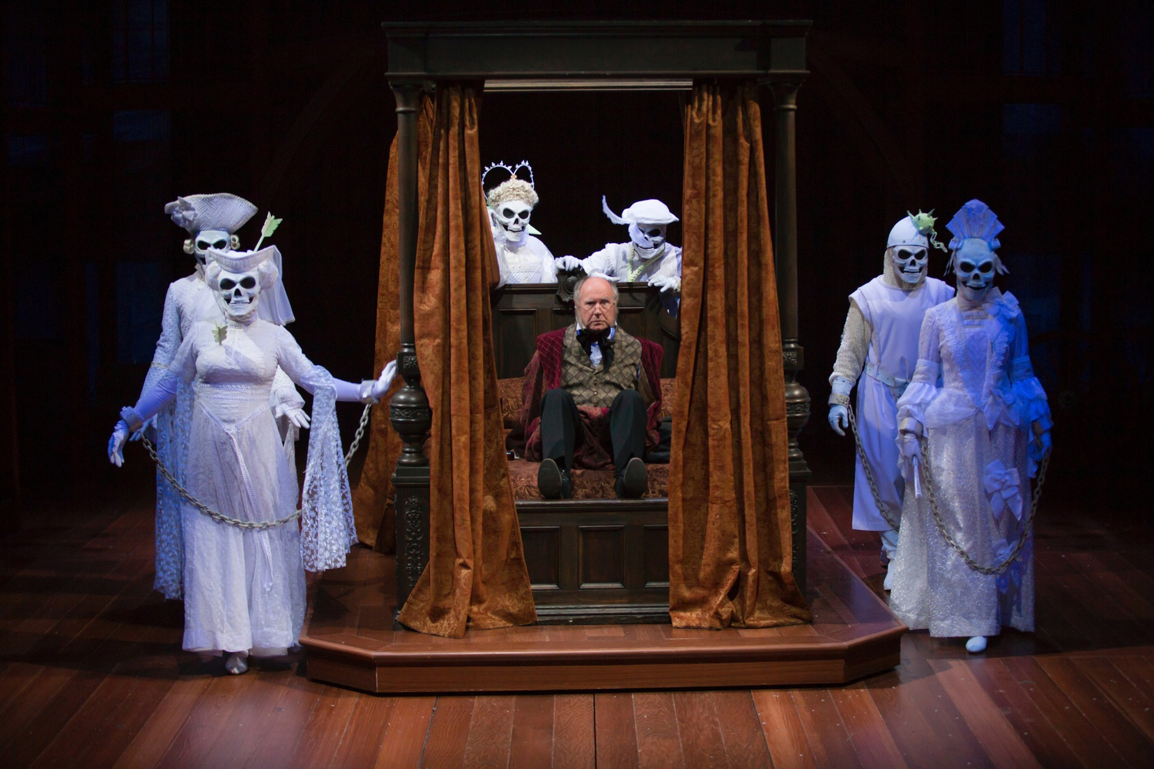 A Christmas Carol Continues At Hartford Stage But It S