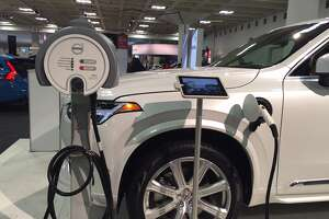 Innovation and alternative fuel technology at the S.F. Auto Show - Photo