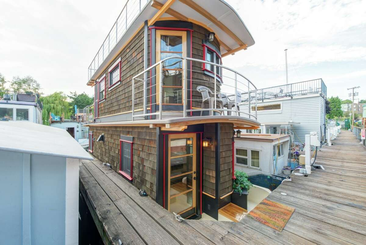This floating home, 2143 N. Northlake Wy. #9, is listed for $490,000. The one bedroom, 3/4 bathroom home is 748 square feet, and offers expansive views of downtown Seattle. The home is on the north end of Lake Union just east of Gas Works Park. You can see the full listing here.