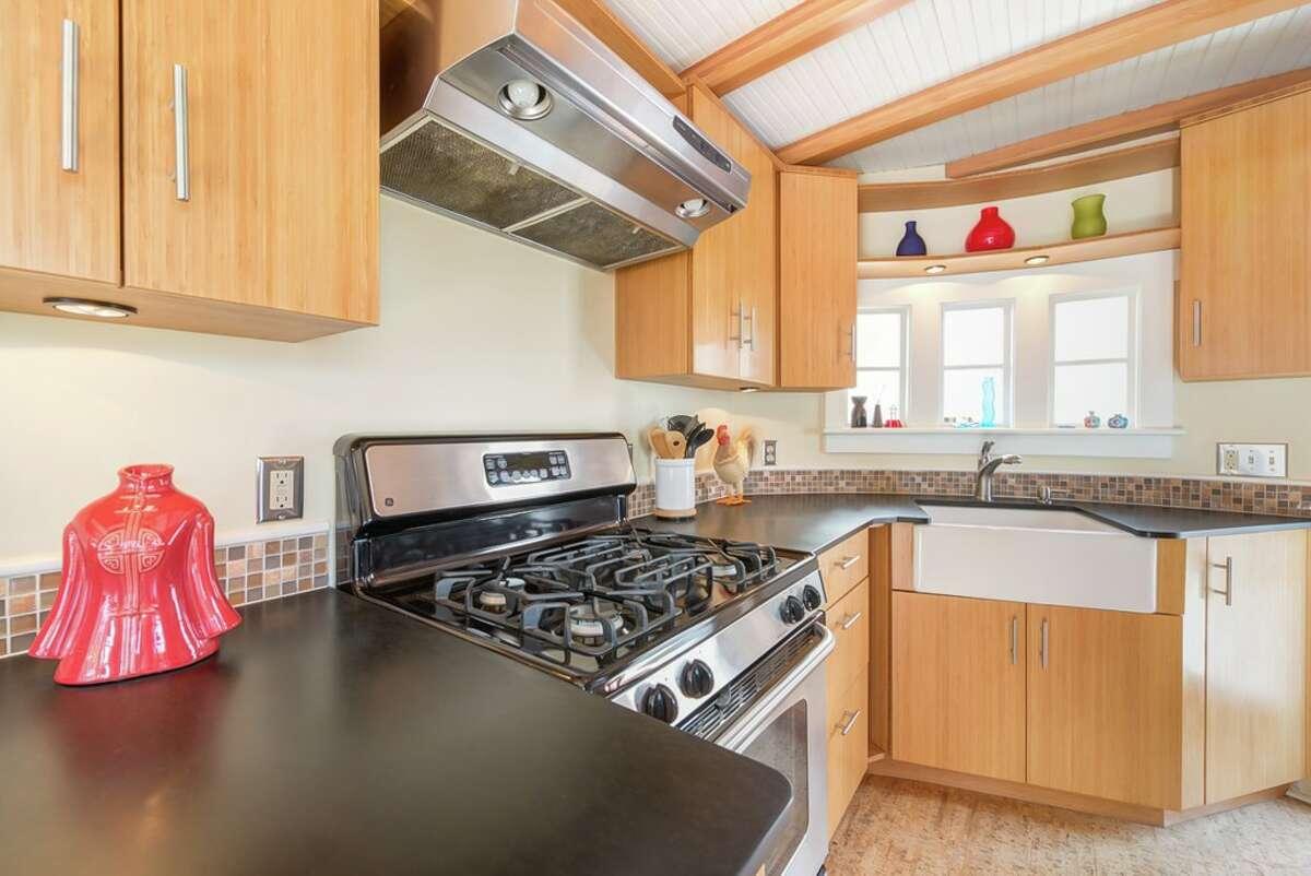 The kitchen in 2143 N. Northlake Wy. #9