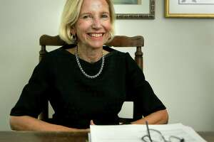 Phyllis Browning spreads her philanthropy to company, family - Photo