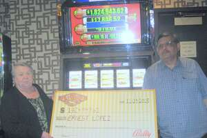 Texas man wins $1.82M after playing Vegas slot machine for 5 minutes - Photo
