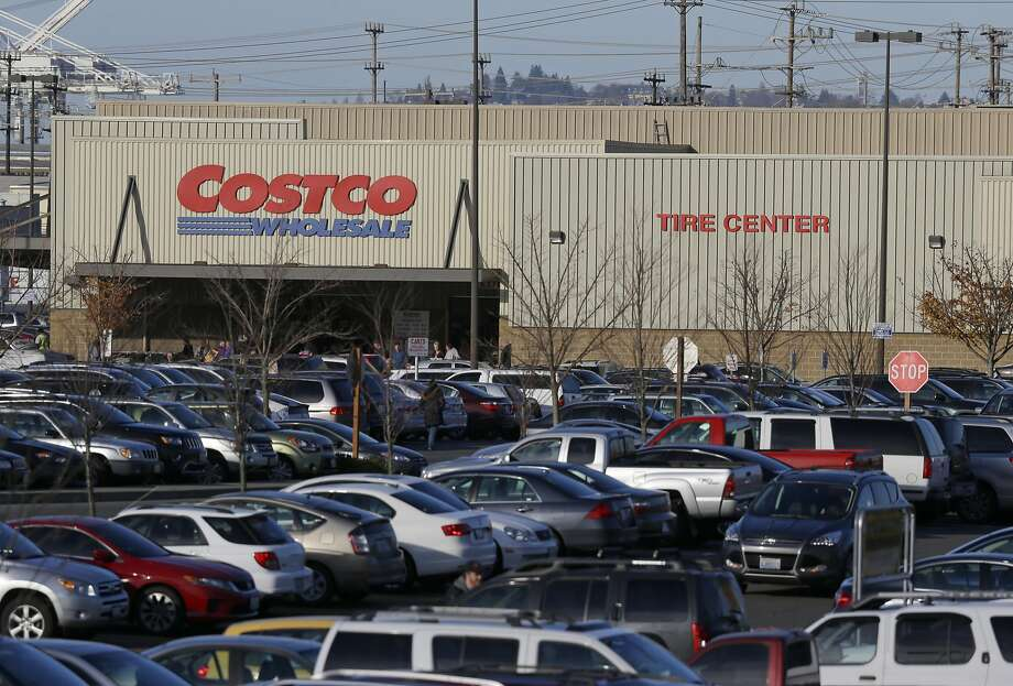 Officials urge those who bought chicken salad at any U.S. Costco on or before Friday to throw it out. Photo: Ted S. Warren, Associated Press