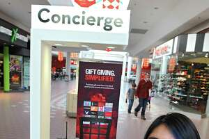 Wilton Mall lets shoppers text questions - Photo