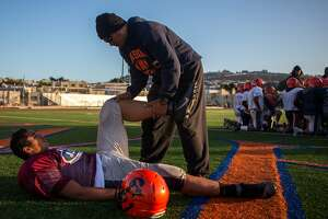Alums, discipline have Balboa High in S.F. football title game - Photo