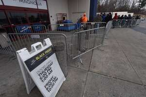 Lining up at Crossgates Mall's Best Buy to get a jump on Black Friday deals - Photo