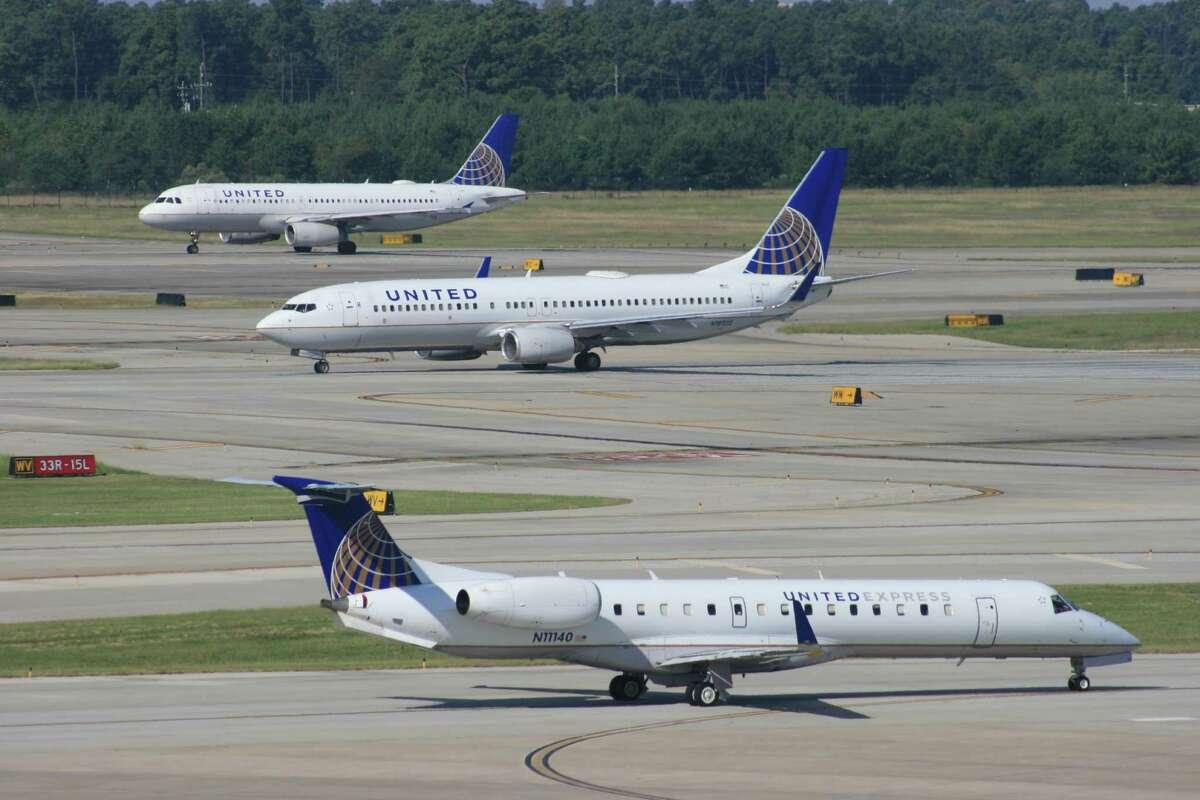 United Airlines Mishandled bag complaints (2014): 3.67 per 1,000 passengers October 2015: 2.23 per 1,000 passengers