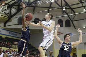 Monmouth topples Notre Dame - Photo