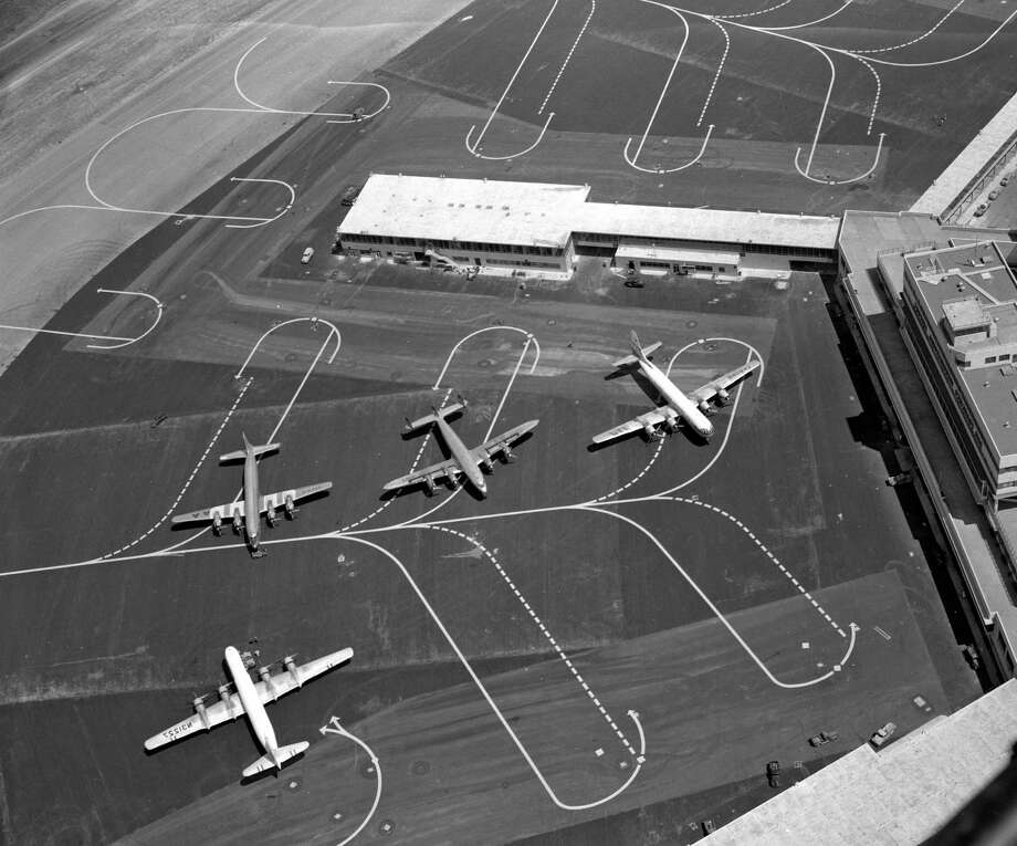 San Francisco International Airport opens with great fanfare on Aug. 27-29, 1954. Photo: Bill Young / The Chronicle / ONLINE_YES