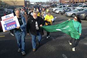 Dozens protest Wal-Mart worker's firing - Photo