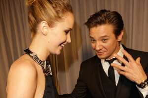 Jeremy Renner amused by family connection to Jennifer Lawrence - Photo