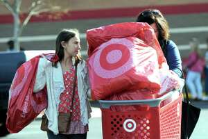 Black Friday crowds don't materialize in Danbury - Photo
