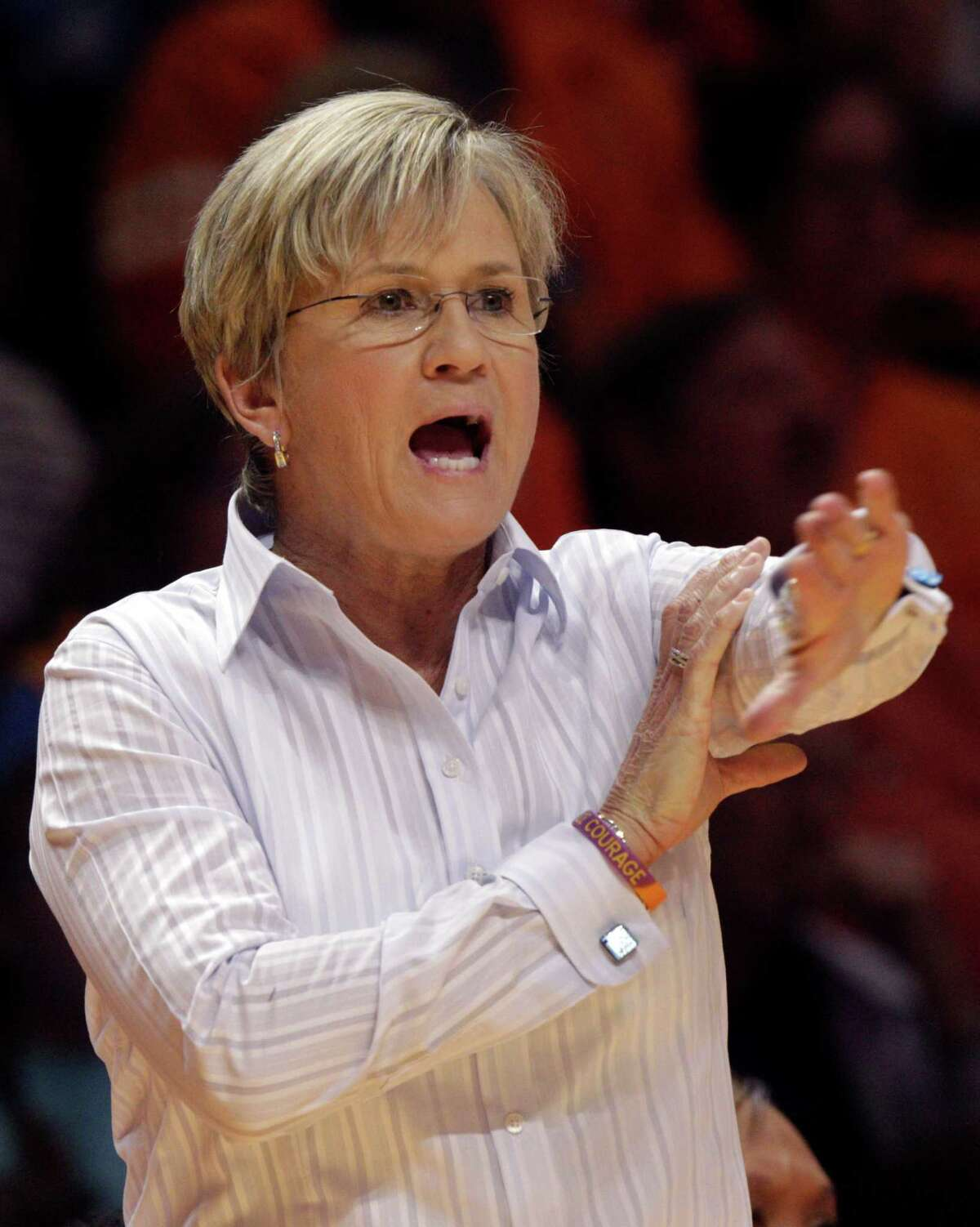 Tennessee head coach Holly Warlick directs her players in the second first half of an NCAA college basketball game against Albany Friday, Nov. 27, 2015, in Knoxville, Tenn. Tennessee won 63-55. (AP Photo/Wade Payne) ORG XMIT: TNWP110