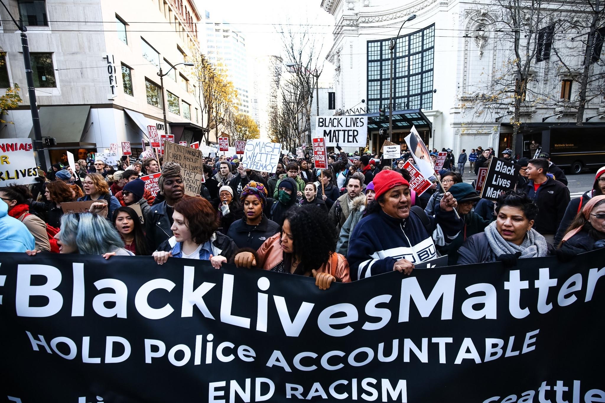 It S Black Lives Matter Vs Black Friday Again In Seattle