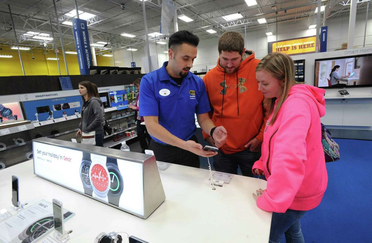Best Buy Closes at 6 p.m. (most stores)