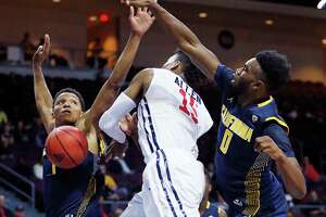 No. 14 Cal falls to Richmond in Las Vegas Invitational - Photo