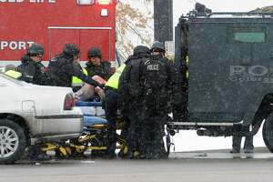 Three slain in shootout at Planned Parenthood - Photo