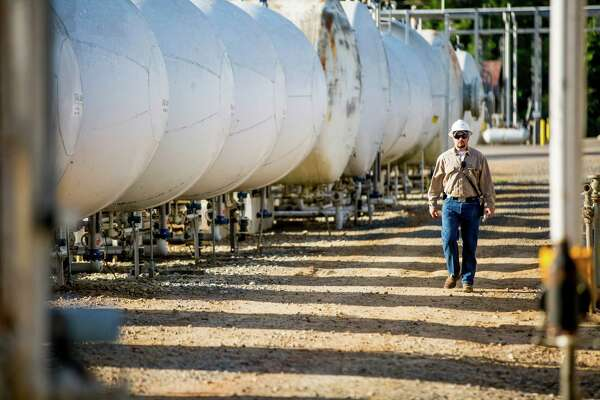 CenterPoint pipeline business buying Velocity Midstream for $442M
