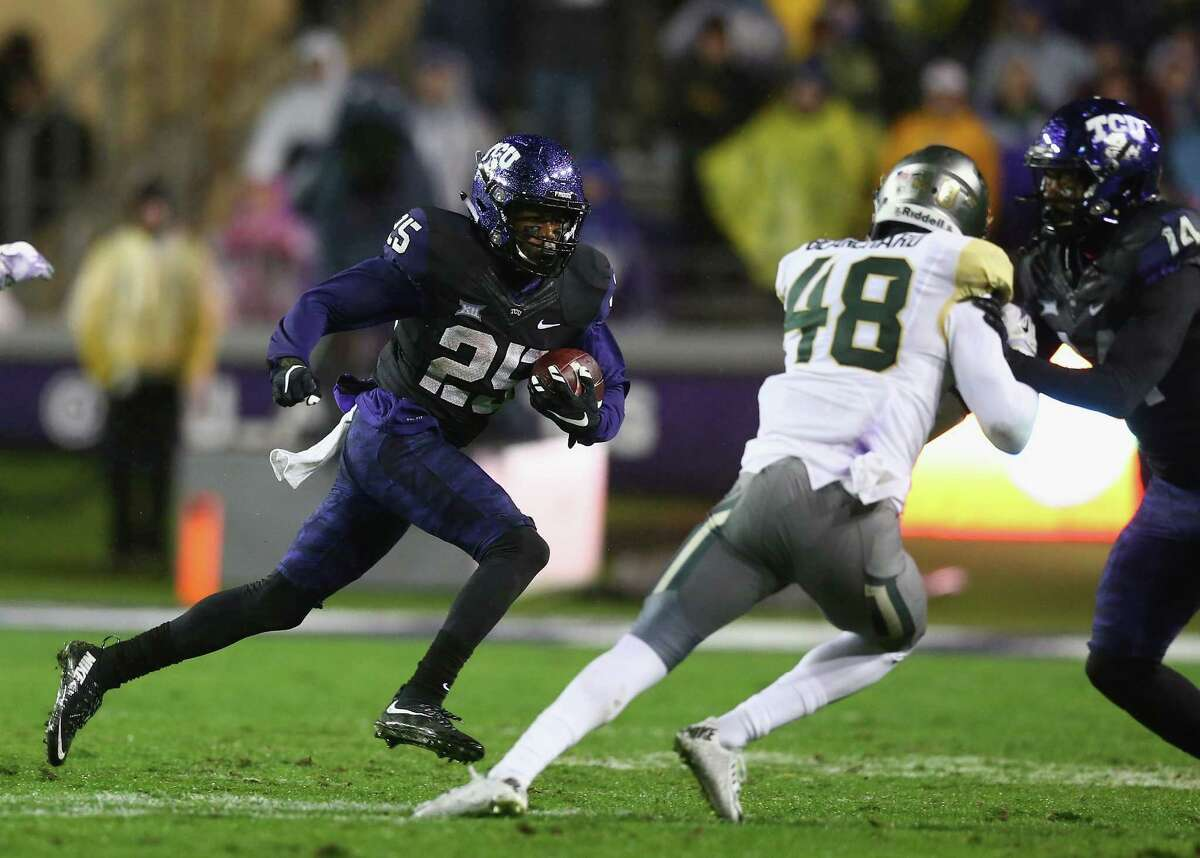 8. Offensive juggernauts If you enjoy football games that end with basketball scores, this is the bowl for you. TCU ranks third in the nation in yards per game (564), with Oregon right behind at No. 4 (548). Both averaged over 41 points per game, placing them in the top 10 in the nation. Get ready for some fireworks.
