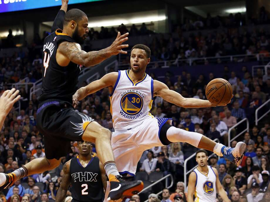 Stephen Curry and the Warriors employ a style of play that's easy on the eye, as did the 1971-72 Lakers. Photo: Rick Scuteri, Associated Press