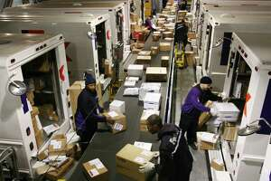 Holiday hiring strongest for distribution work - Photo