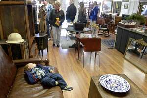 Small Business Saturday helps local merchants gain holiday sale momentum - Photo