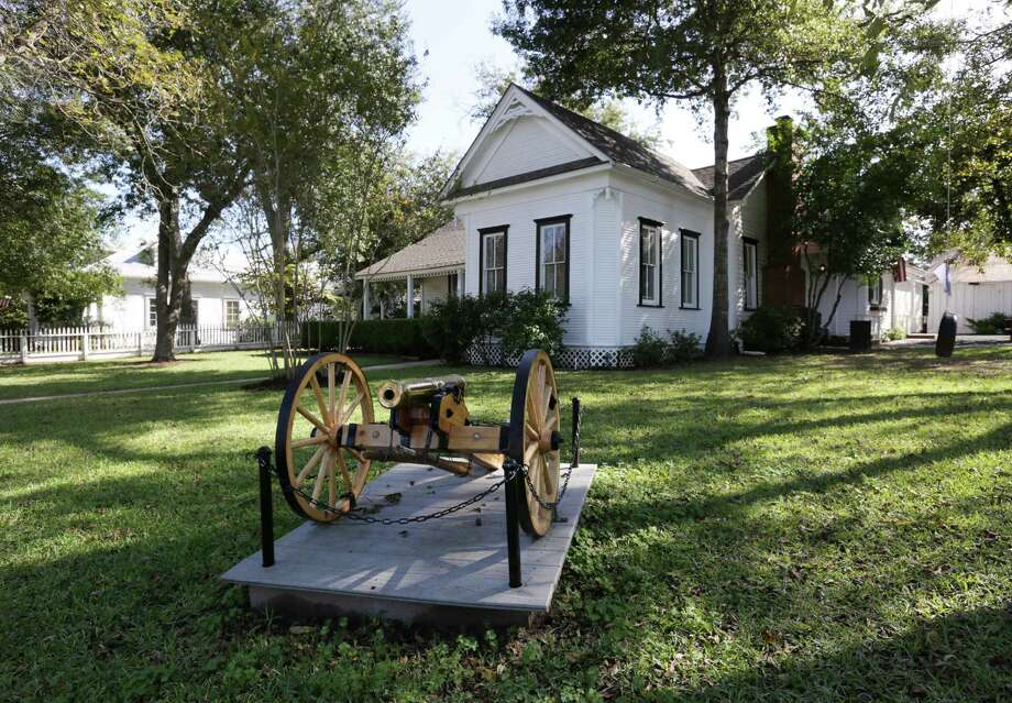 Julie and Tommy Hauser's home, Friday, Nov. 20, 2015, in Montgomery, Texas. The home was built in 1854 and has been designated a historical landmark. Photo: Jon Shapley, Houston Chronicle / © 2015 Houston Chronicle
