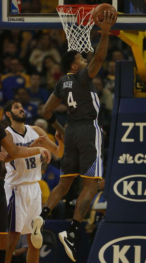 Warriors' Brandon Rush gets the rebound during the Golden State Warriors vs. the Sacramento Kings game in Oracle Arena Nov. 28, 2015 in Oakland, Calif. Photo: Leah Millis, The Chronicle