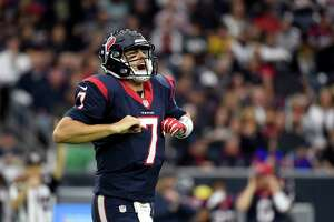 Texans win fourth straight game - Photo