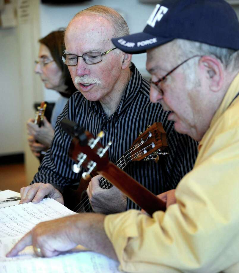 danbury ukulele group keeps on rocking new milford spectrum. Black Bedroom Furniture Sets. Home Design Ideas