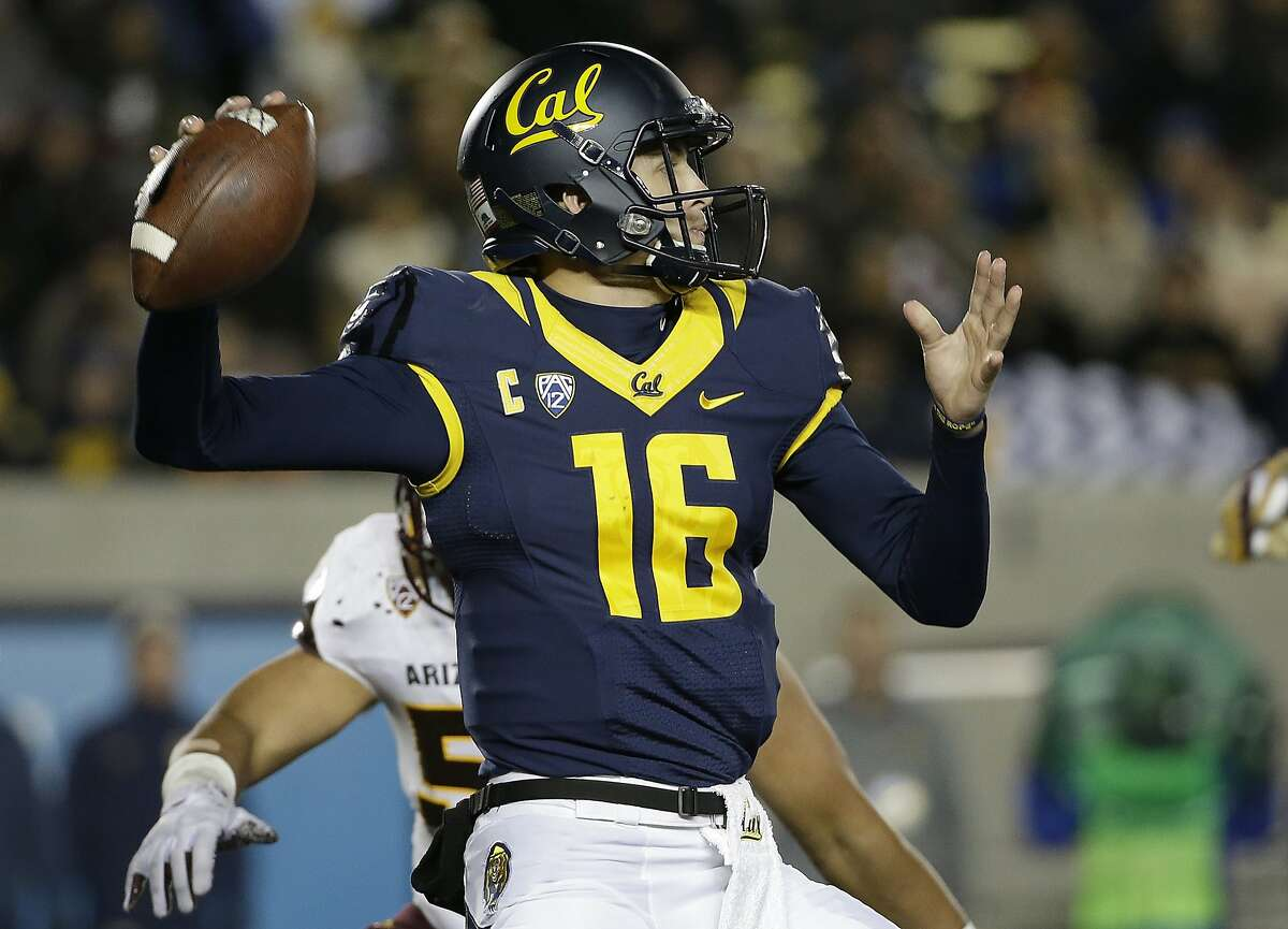 California quarterback Jared Goff (16) passes against Arizona State during the second half of an NCAA college football game in Berkeley, Calif., Saturday, Nov. 28, 2015. California won 48-46. (AP Photo/Jeff Chiu)