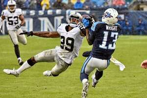 Raiders' David Amerson delivers at cornerback - Photo