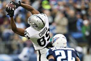 Raiders' Amari Cooper gets plenty of chances to catch passes - Photo