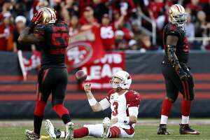 49ers stung by crucial, questionable penalty - Photo