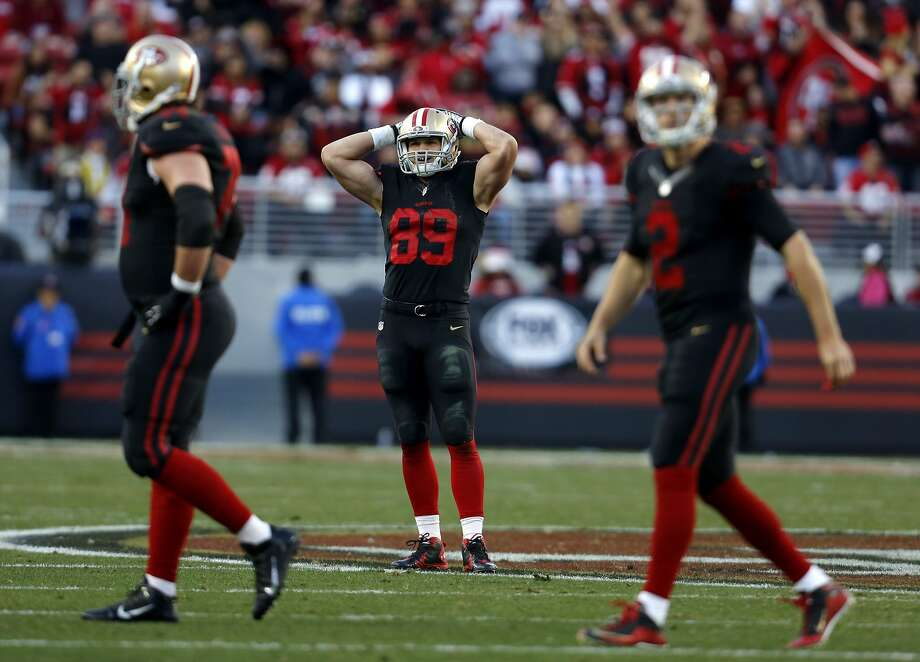 Vance McDonald reacts in disappointment after the 49ers fail to convert a 4th down on their final drive during a game between the San Francisco 49ers and the Arizona Cardinals at Levi's Stadium in Santa Clara, California, on Sunday, Nov. 29, 2015. Photo: Connor Radnovich, The Chronicle