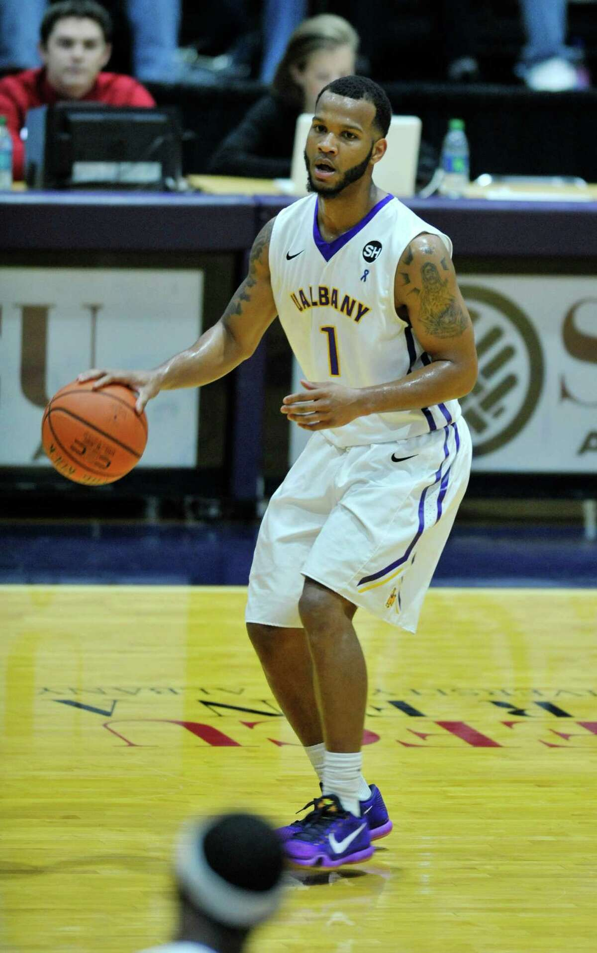 Ray Sanders of UAlbany brings the ball up the court against Yale during their game on Sunday, Nov. 29, 2015, in Albany, N.Y. (Paul Buckowski / Times Union)