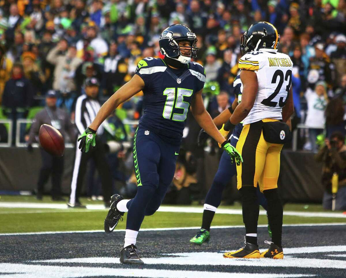 Seahawks' Jermaine Kearse celebrates his touchdown in the fourth quarter of Seattle's game against Pittsburgh, Sunday, Nov. 29, 2015.