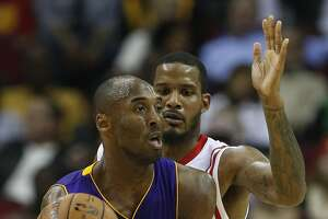 Rockets praise Kobe Bryant as Lakers star announces retirement - Photo