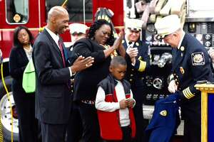 Albany salutes Avery Moses, 7, who saved family, neighbors from fire - Photo