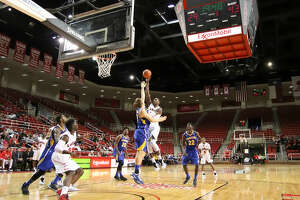Slow start yields Lamar men's loss versus UC Riverside - Photo