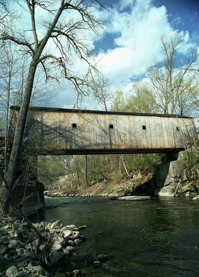Bull's Bridge in Kent will be closed for three weeks starting Nov. 30 for roof replacement Photo: Norm Cummings / Norm Cummings /Spectrum / The News-Times