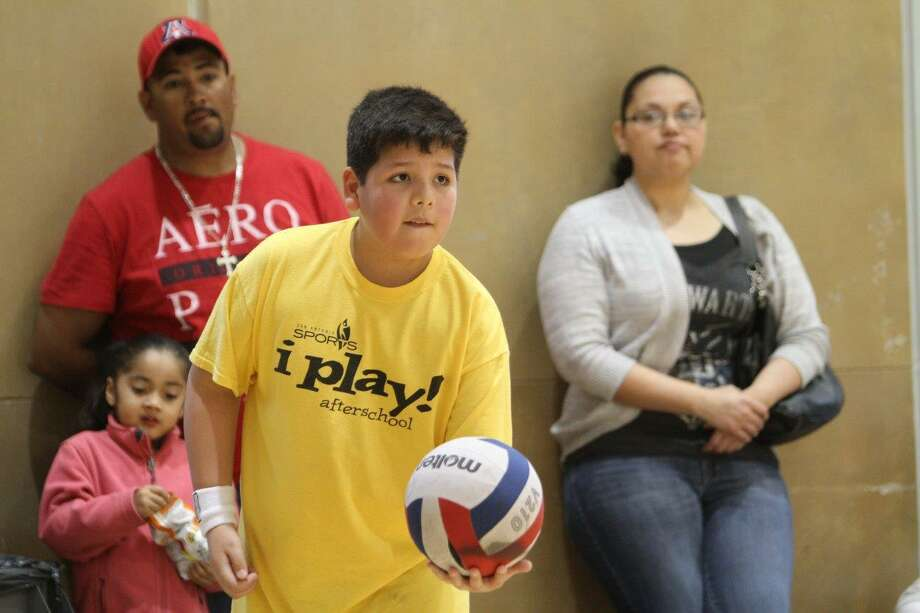 San Antonio Sports i play! afterschool program provides 1,100 students at 45 elementary schools skill-based instruction in soccer, track, volleyball, tennis and golf. Photo: Courtesy San Antonio Sports