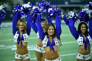 2015 NFL cheerleaders: Week 12 - Photo