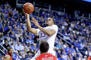Kentucky grinds it out - Photo