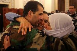 Lebanon exchanges prisoners with al Syria's al Qaeda branch - Photo