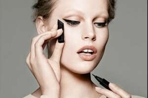 Able's new cat eye makeup promises feline chic - Photo